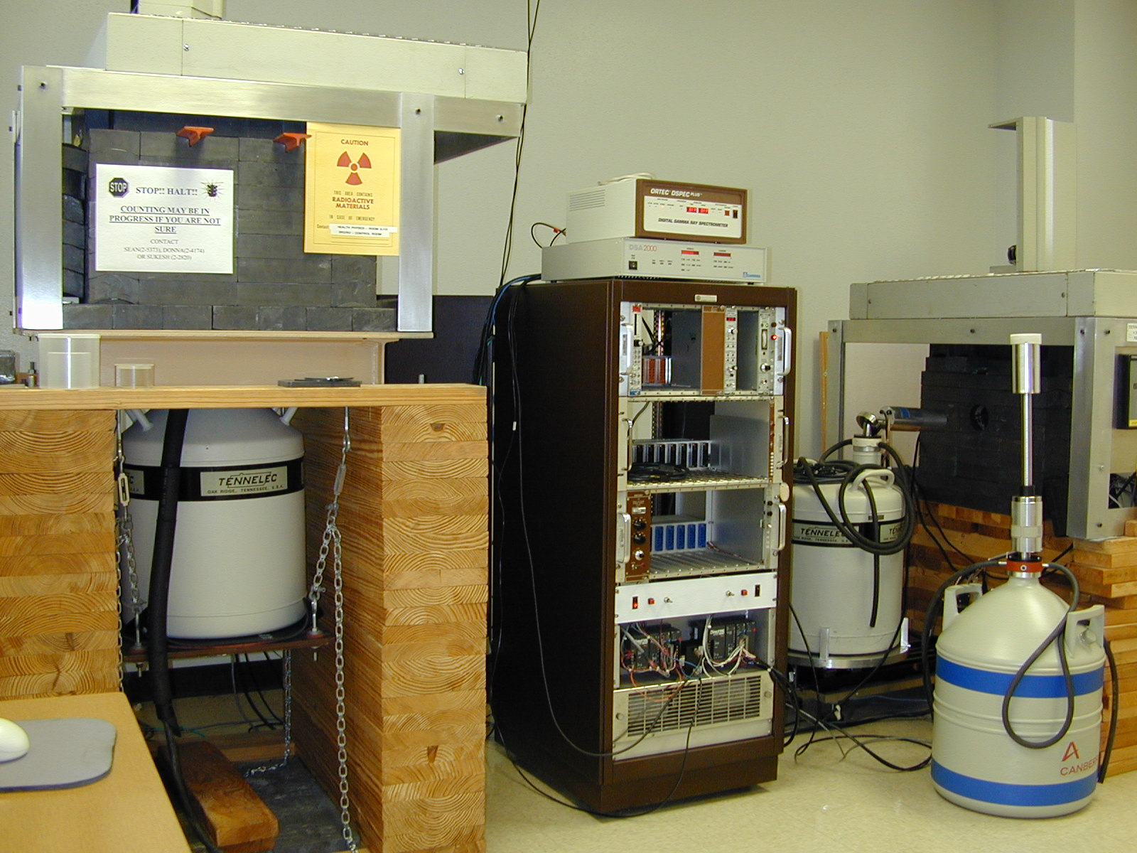 view of lab with equipment