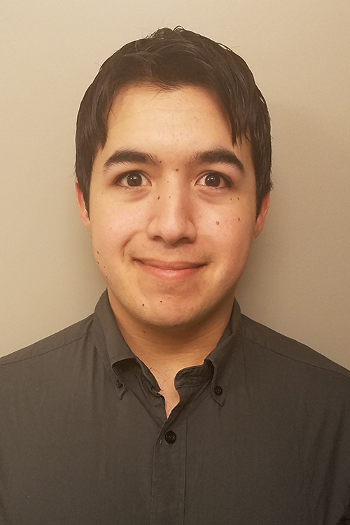 headshot photo of Brandon De Luna